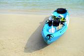 Blue kayaks on the tropical beach — Foto Stock