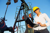 Female Engineer in an Oilfield — Stock Photo
