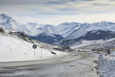 Mountain road in Formigal (Huesca, Spain) — Stock Photo