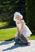 Little girl in a summer park — Stock Photo
