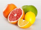 Appetizing fresh fruits — Stock Photo