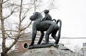 Pomnik małpa — Zdjęcie stockowe