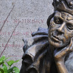 ������, ������: Gravestone and statue of the famous Russian ballet dancer Vaslav