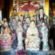 Statues of the Goddess of Mercy Guanyin in a makeshift shrine, Hong Kong — Stock Photo