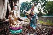 Statues of popular Chinese gods Guanyin and Guan Yu, Hong Kong — Stock Photo