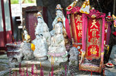 Street shrine for Guanyin, the Goddess of Mercy in Hong Kong — Stock Photo