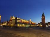主要市场广场之夜 — 图库照片