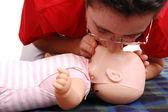 人工呼吸のデモンストレーション — ストック写真