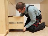 Montaggio di mobili — Foto Stock