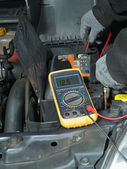Car battery voltage check — Stok fotoğraf