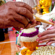Wedding of Cultural Thailand on during give holy water that pare — Stock Photo #22986706