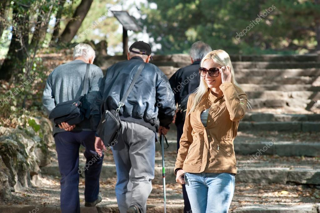 Купить телефон для пенсионеров москва