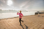 Mädchen joggen — Stockfoto