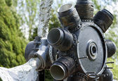 Old rusty engine of war plane with propeller — Foto de Stock