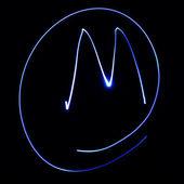 """волнистые символ. лазерный свет алфавит. символ «м"""". — Стоковое фото"""
