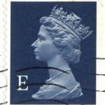 联合王国-大约在 2000 年到 2003 年的英语使用女王伊丽莎白 2、 大约在 2000 年到 2003 年的第一类邮票展示肖像 — 图库照片