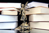 Justice Statue and books. Lawyer background — Foto Stock
