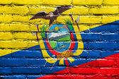 Ecuador bandera pintada en la pared de ladrillo — Foto de Stock