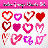 Grunge hearts on white background. Vector set — Stock Vector