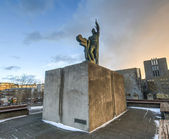 Statue of Ingolf Arnarson, Reykjavik, Iceland — Stock Photo