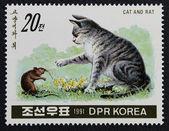 Postzegel met de afbeelding van de kat en rat — Stockfoto