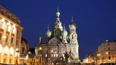Cathedral of the Resurrection on Spilled Blood (Church of Our Savior on the Spilled Blood) in St Petersburg at night — Stock Video