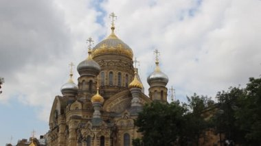 Church of the Assumption of the Blessed Mother of God in St. Petersburg — Stock Video