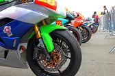 展覧会のレースバイク。スーパー バイク世界選手権、2013 年 7 月 21 日にレースウェイ、モスクワ、ロシアのモスクワでのロシアの段階. — ストック写真