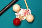 Banconote su un tavolo da biliardo — Foto Stock