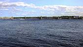 Trinity bridge across the Neva River in St. Petersburg, Russia — Stock Photo