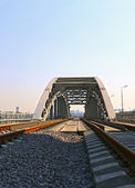 Railway bridge with steel spans in Moscow — Stock Photo