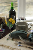 Casual table setting — Stock Photo