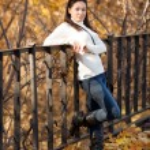 Fashion girl in autumn park — Stock Photo #16774737