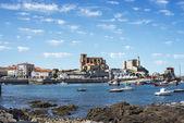 Pohled na rybářské vesnice castro urdiales, kantábrie, španělsko — Stock fotografie