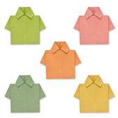 Papel reciclado para crear una camisa de color. — Foto de Stock