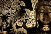 金佛像上金黄背景图案泰国. — 图库照片