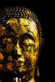 Altın buddha siyah arka plan üzerine — Stok fotoğraf