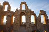 El Djem Amphitheatre arches with sunset — Stock Photo