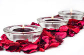 Spa aromatherapy objects-scented petals and candles — Stock fotografie