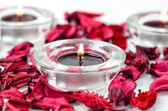 Rose petals and candles spa — Foto de Stock