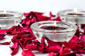 Rose petals and candles spa — Stock fotografie
