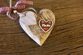 "Big wood heart with""Mama"" — Stock Photo"