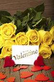 """Flower and a card """"Be my Valentine"""" — Stock Photo"""