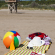 Beach Scene with Lifeguard Tower — Stock Photo