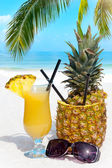 Cocktails on the Beach — Stockfoto
