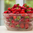 Bowl of Strawberries — Stock fotografie #24404389