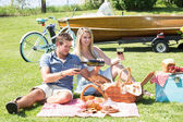 Vintage country picnic at the lake — Стоковое фото