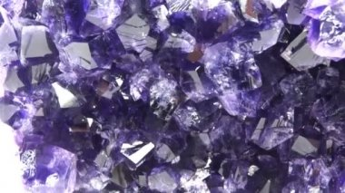 Amethyst gem crystals texture background — Vídeo Stock