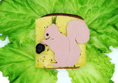 Creativo panino vegetale con formaggio e prosciutto — Foto Stock