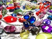 Kryształki koraliki biżuteria moda tle — Zdjęcie stockowe